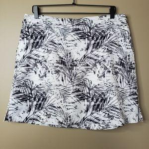Lady Hagen Black & White Palm Leaf Golf Skort